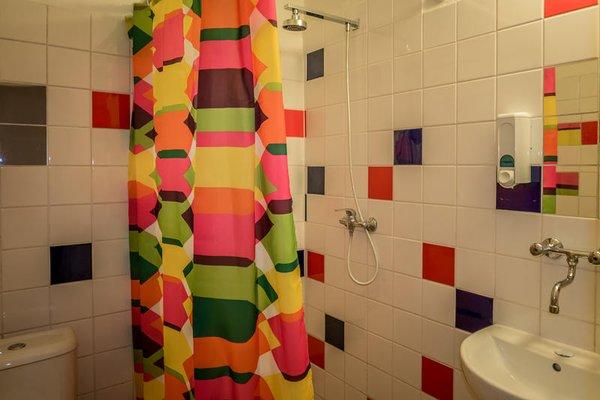 Clown and Bard Hostel - фото 7