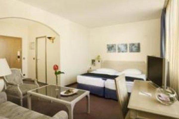 Hotel In City Centre - фото 8