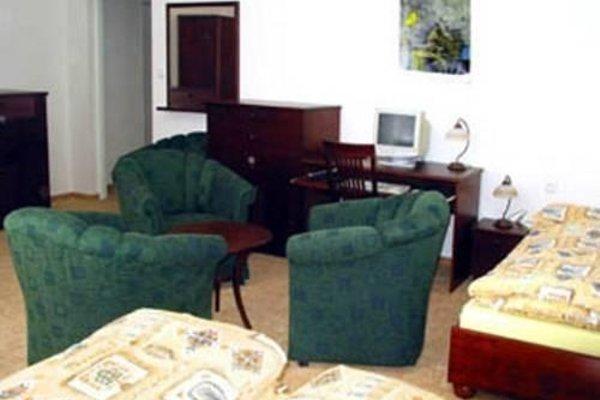 Hotel Dermot - 12