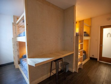 Hostel Private 4 beds and Bathroom by UCLA