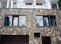 Фото 1 отеля Rozov Hutor Guest House - Алушта, Крым