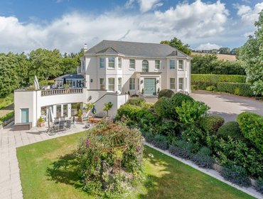 Apartments Staverton Manor Apartment with heated indoor pool