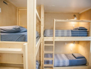 Hostel DormShare twin pod in a shared room