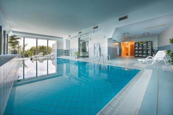 Maxmilian Lifestyle Resort - фото 18
