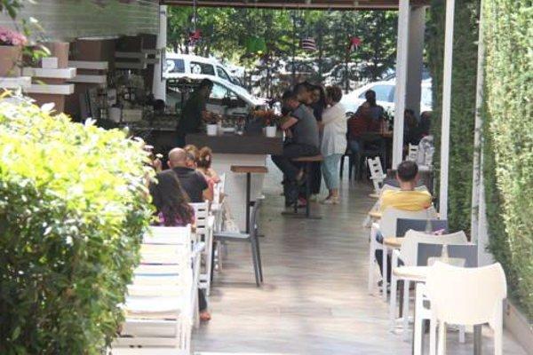 Yasmine's Hotel & Restaurant Tirane - фото 23