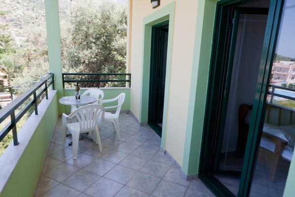 Manos Palace - фото 15