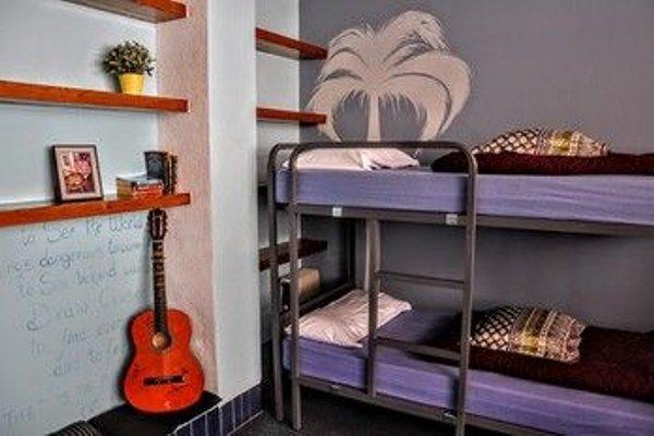 X Hostel Alicante - 3