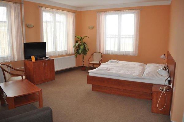 Hotel U Vlasskeho Dvora - 3