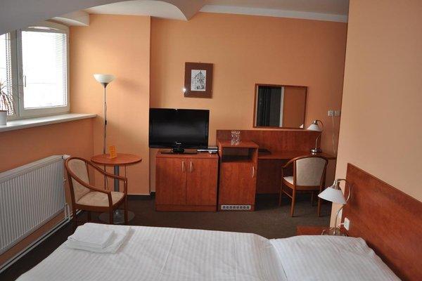 Hotel U Vlasskeho Dvora - 9