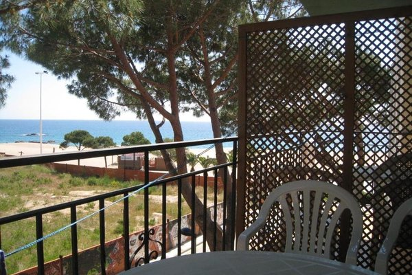 Apartaments Les Roques - фото 3