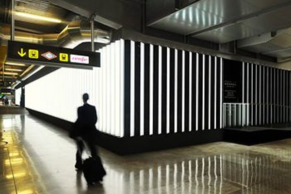 Air Rooms Madrid Airport By Premium Traveller - 15