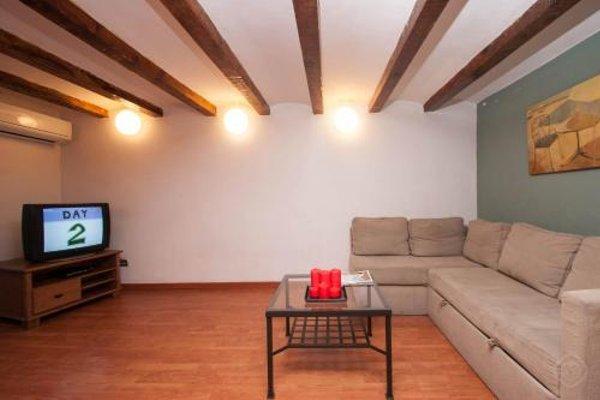 Rustic Poble Sec Apartment - фото 6