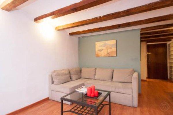 Rustic Poble Sec Apartment - фото 8
