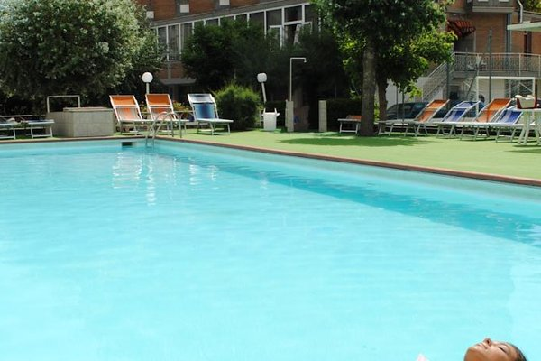 Family Hotel Marina Beach - фото 20