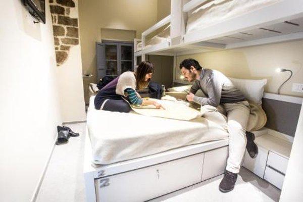 Little Italy Hostel - фото 7