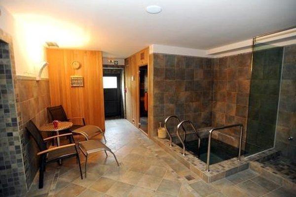 Romantic Hotel Mlyn Karlstejn - 10