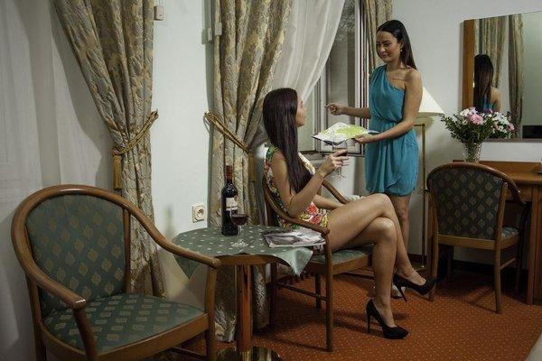 Hotel Sirius - 16