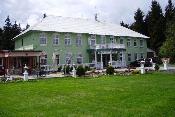 Hotel Berghof - 12