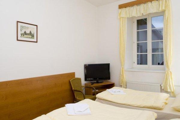 Mestsky Hotel Dorinka - 8