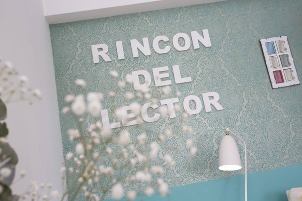 Spain Select Plaza de la Reina Apartments - фото 6