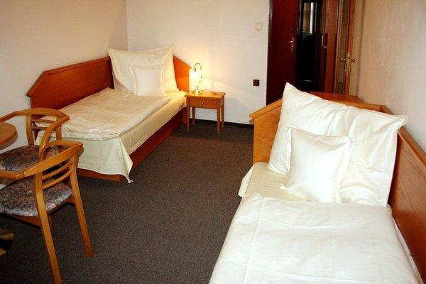 Hotel Casanova - 3