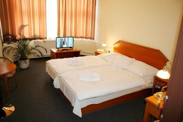 Hotel Casanova - 4