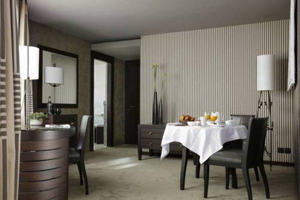 Hotel Square - 10