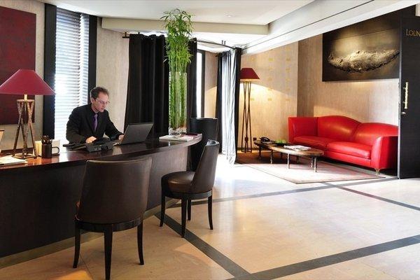 Hotel Square - 15