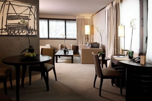 Hotel Square - 9
