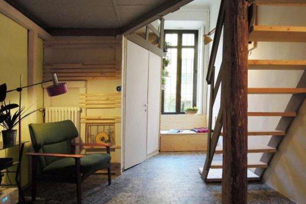 V12 Design Apartments - фото 12