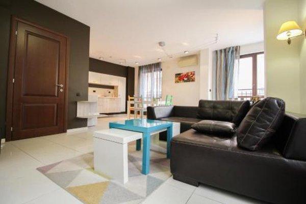 Trendy & Deluxe Apartment - фото 11