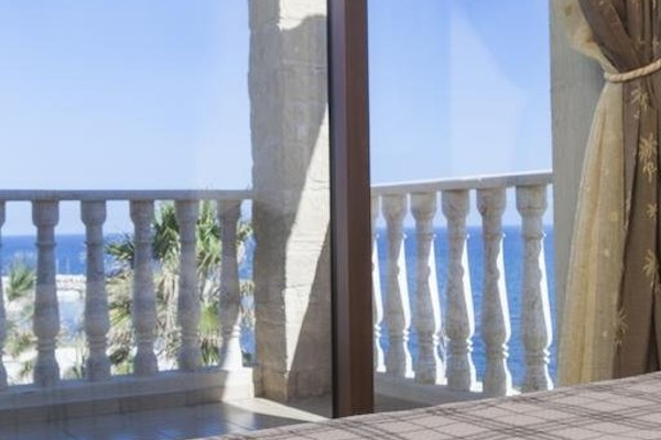 Petros Seashore Villa - фото 5