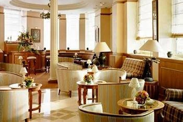 Royal Hotel Champs Elysees - фото 4
