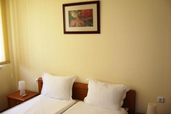 Nessebar and Holiday Fort Apartments - фото 17