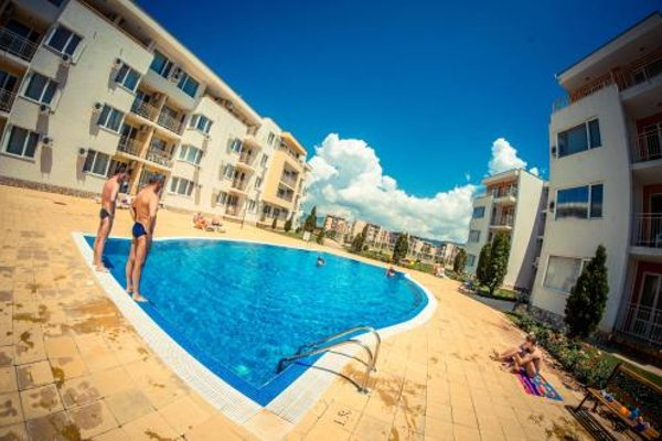 Nessebar and Holiday Fort Apartments - фото 22