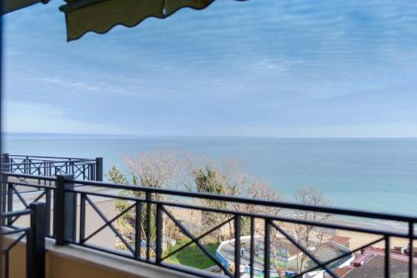 Sea View Rental Front Beach - фото 17