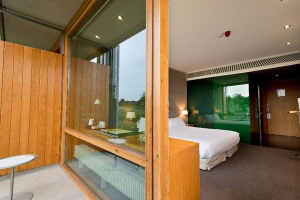 Double Tree by Hilton Hotel and Conference Center La Mola - фото 3