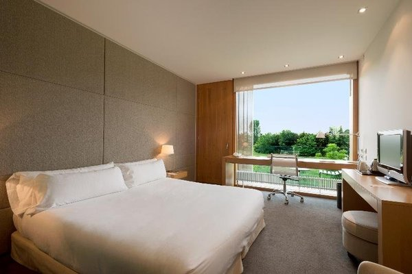 Double Tree by Hilton Hotel and Conference Center La Mola - фото 5