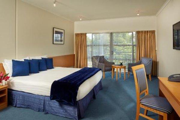 Saxton Lodge Motel - 6