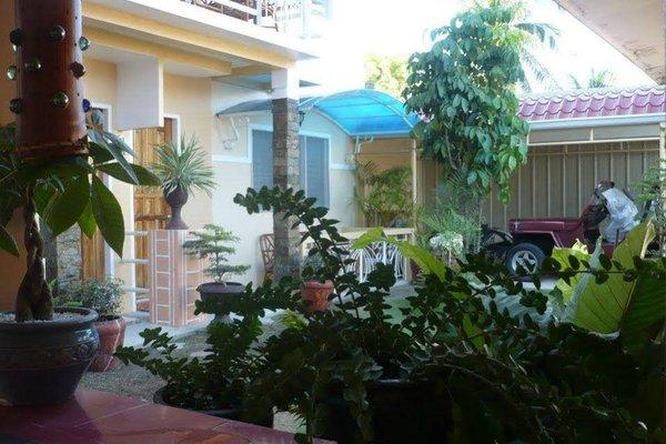Oslob Malonzo Pension House - фото 9