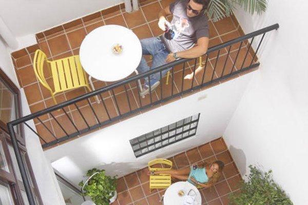 Polaroid Siesta Hostel - фото 16