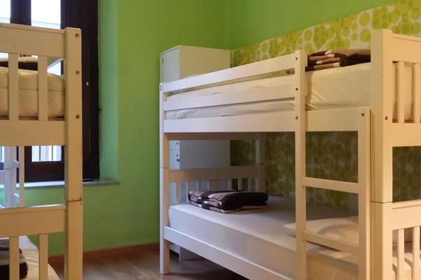 Polaroid Siesta Hostel - фото 4