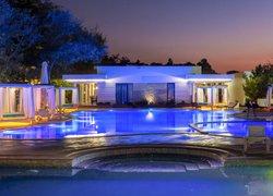 Отель Рига Вилладж Резорт фото 2 - Щёлкино, Крым