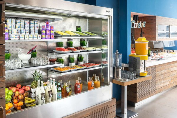 Tryp Madrid Airport Suites - фото 11