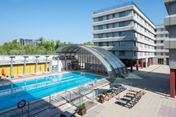 Tryp Madrid Airport Suites - 20