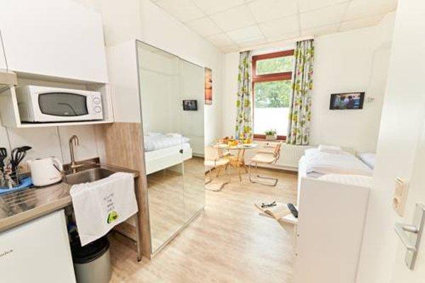 B & L Hostel - фото 8