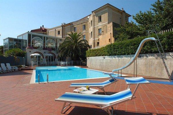 Hotel Riviera Spotorno - фото 14