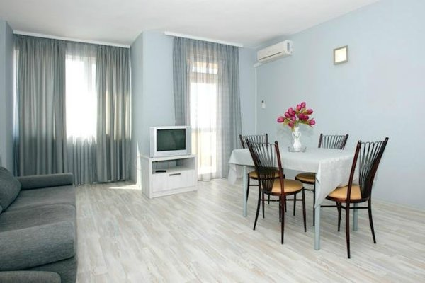 Family Hotel Milev - фото 10