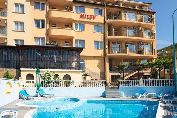 Family Hotel Milev - фото 19