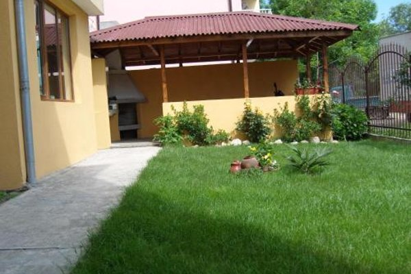 Kirovi Guest House - фото 16